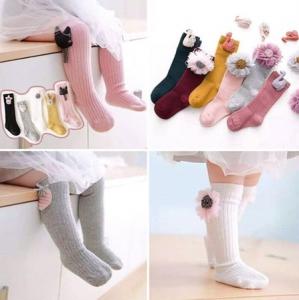 جوراب و ساق نوزاد دخترانه